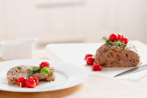 Mediterranean-style minced meat loaf