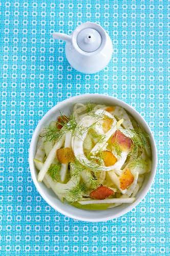 Fennel salad with mullet, apple and aniseed