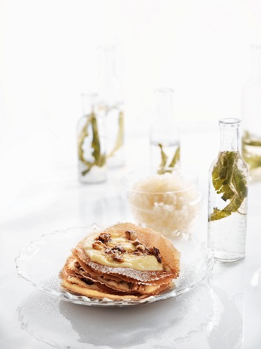 'Pastilla' with vanilla cream and lemon verbena granita