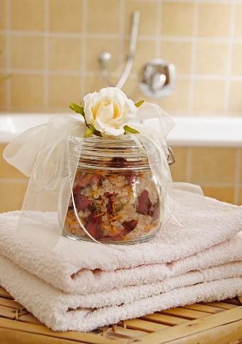 Rose bathing salts