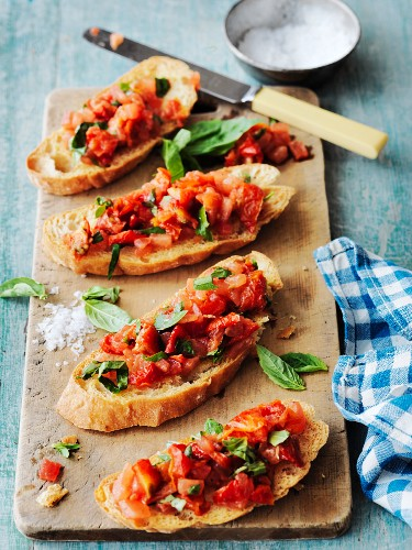 Bruschetta (Italian toasted bread topped with tomatoes)