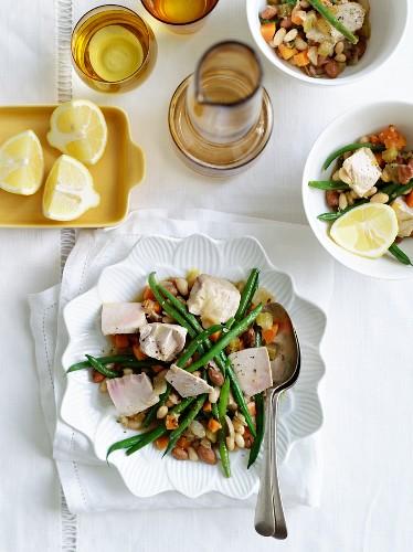 Tuna on a bean salad with lemon