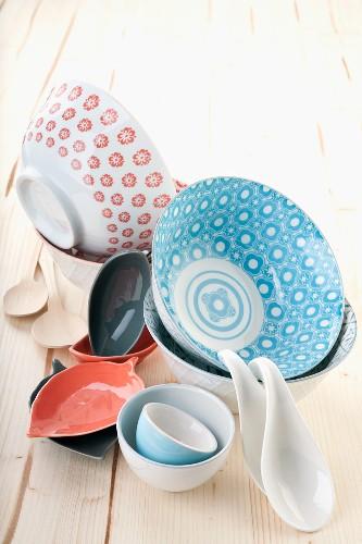 Oriental porcelain crockery