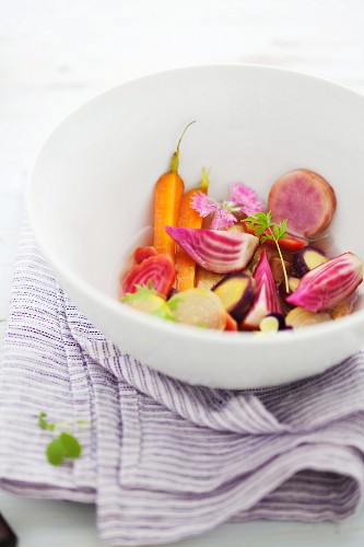 Coloured vegetables in a bowl