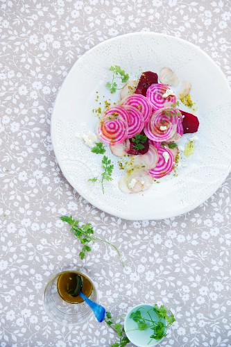 Beetroot salad with goat's cheese and pistachios