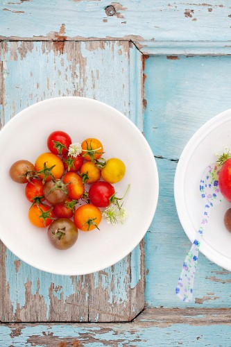 Colourful tomatoes on a plate