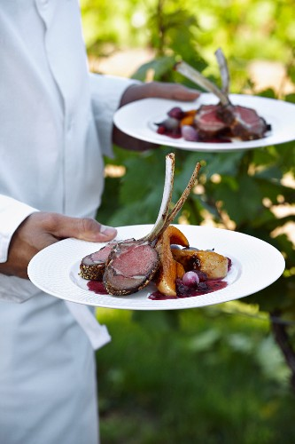 Lamb chops with a berry crust and cinnamon pumpkin