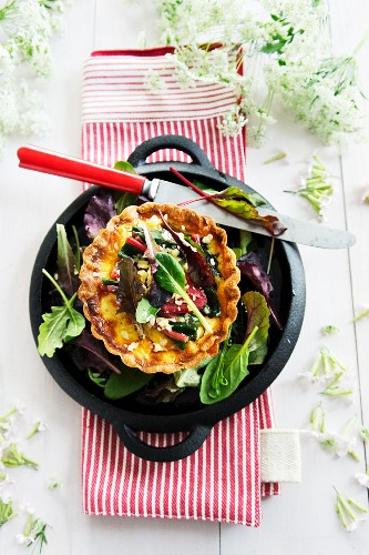 Chard quiche with salad leaves