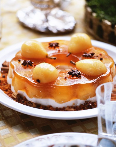 Panna cotta with pears and jelly