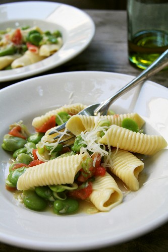 Garganelli with broad beans, tomatoes and Parmesan
