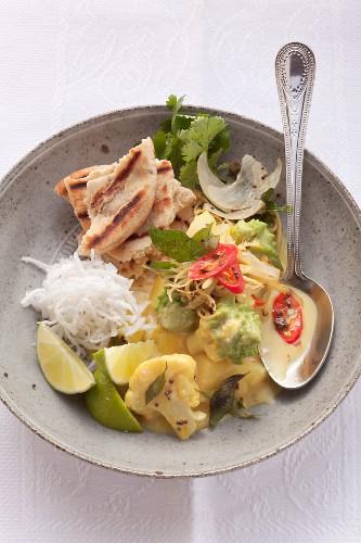 Cauliflower curry with Romanesco broccoli and potatoes