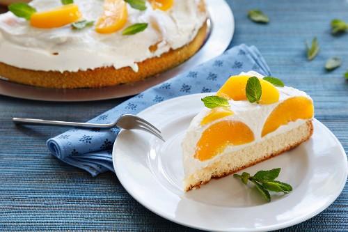 Peach yogurt tart