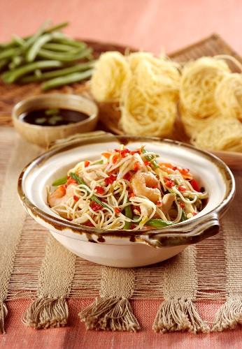 Taglioni with prawns and chicken