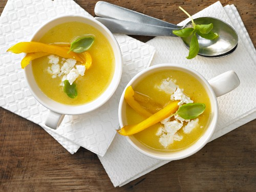 Pepper and polenta soup with sheep's cheese