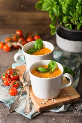 Vegan tomato and coconut soup
