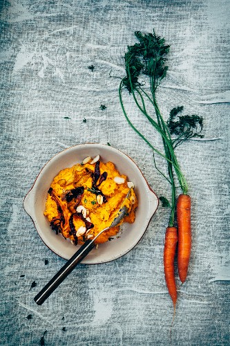 Pumpkin and carrot puree, carrot chips, roasted almonds, carrots, fresh thyme