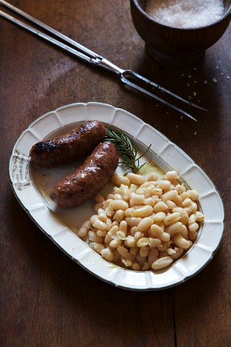 Sausages with white beans