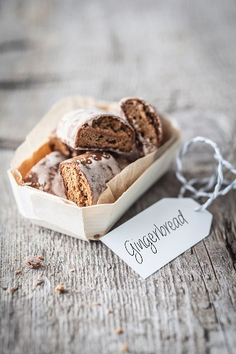 Gingerbread in a basket for gifting