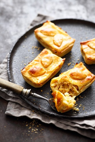 Small apple and marzipan cakes