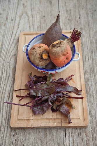 Forono beetroots with leaves for a salad