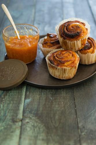 Cinnamon rolls with orange jam
