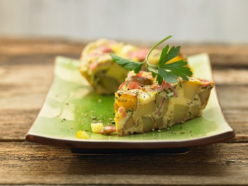 Frittata with white asparagus and ham