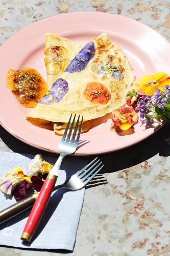 Pansy pancakes with a flower syrup