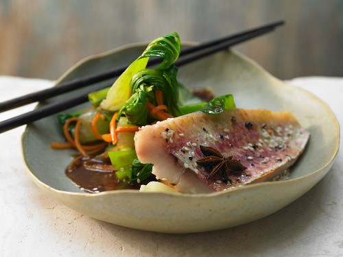 Red mullet with Asian vegetables