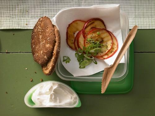 Rye bread with horseradish quark and apple slices