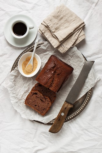 Cake made from yoghurt, cocoa and spices