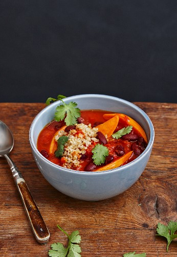 Thai chilli with kidney beans and coriander