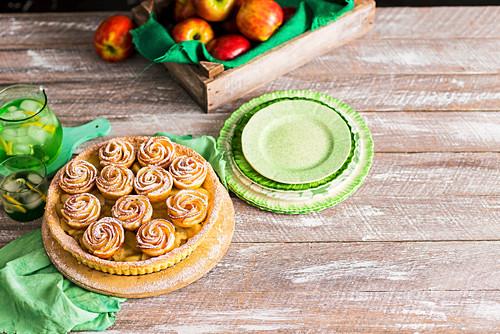 Kuchen mit Apfelrosen-Muffins