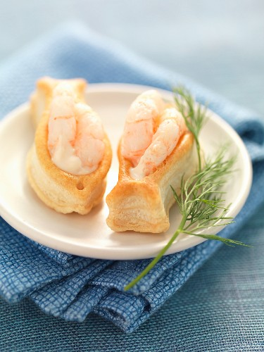 Prawn cocktail in little flaky pastry fish