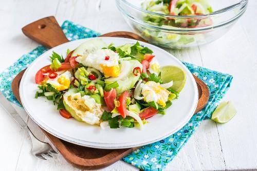 Yam Khai Dao salad with egg (Thailand)