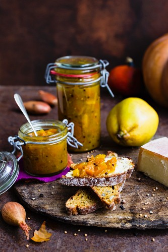 Pumpkin and quince chutney
