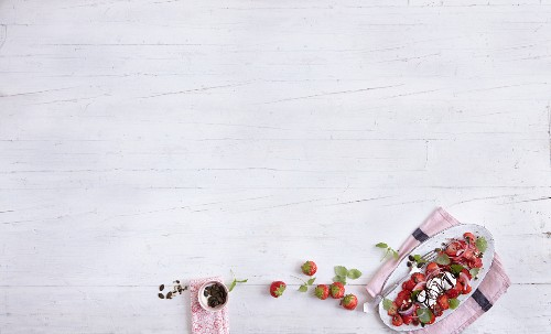Strawberry and goat's cheese carpaccio with cocoa balsamic vinegar