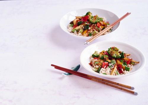 Veggie stir-fry with brown rice
