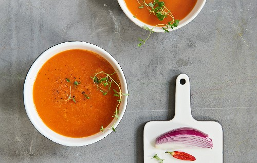 Roasted tomato soup with pointed pepper