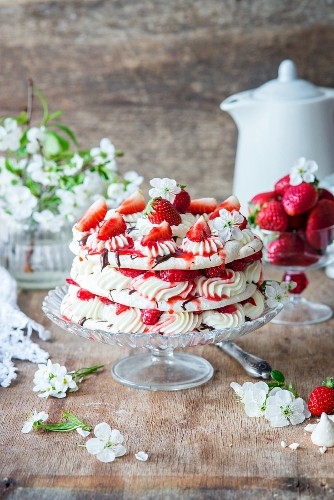 Spring meringue cake with strawberries and cream