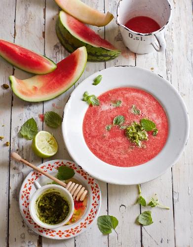 Melon soup with mint pesto