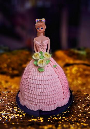 A Barbie cake for a birthday