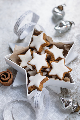 Cinnamon stars in a star shaped gift box