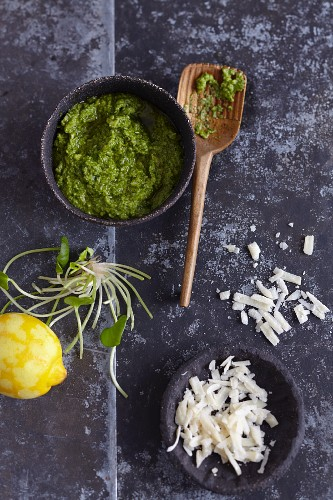 Purslane pesto with parmesan