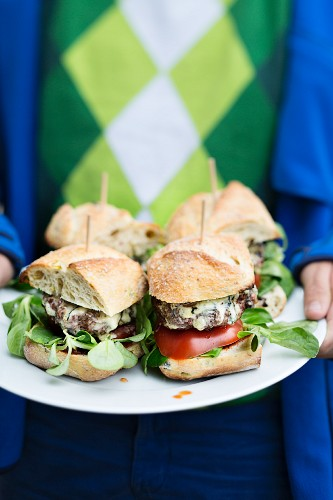 Calabrese burgers with gorgonzola