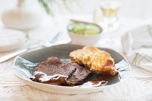 Braised beef with bread dumplings