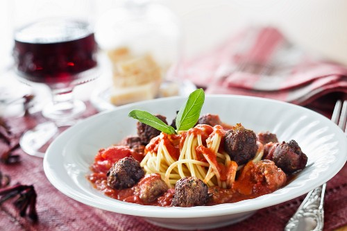 Meatballs with dried tomatoes