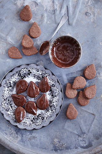 Nougat mocha drops (Austrian Christmas biscuits)