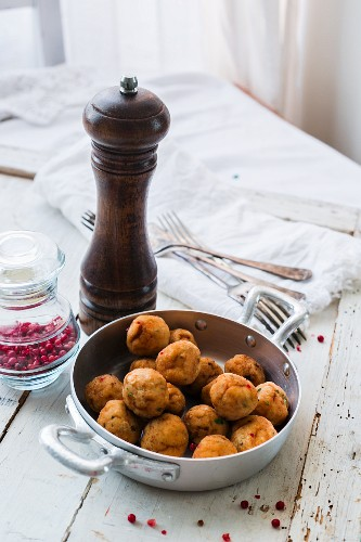 Fish bites with pink pepper