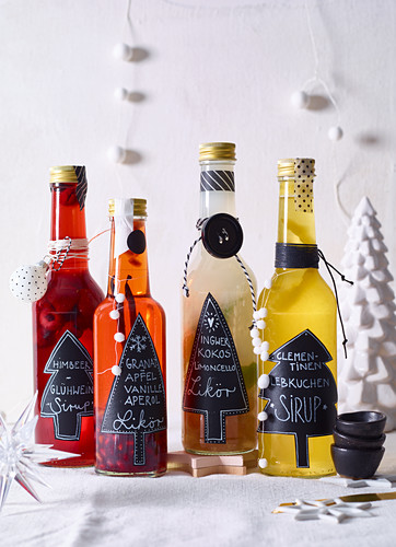 Homemade syrup and liqueur as gifts
