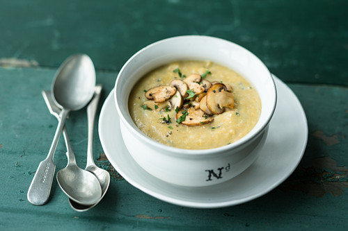 Polenta and gorgonzola soup with mushrooms